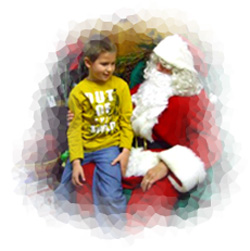No rush.  Your child has time to relax with Santa, for great photos, at Downey's Farm, Caledon, Ontario west of Toronto.